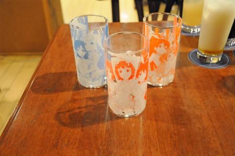カフェ先行販売のグラスです(≧▽≦)
