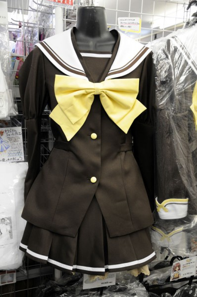 結構人気があるPCゲーム系のコス(シャッフル国立バーベナ学園女子制服)ヾ(*´∀`*)ノ