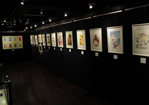 アキバ系イラスト作家の作品が多く展示されてました(*´ω`*)ポッ