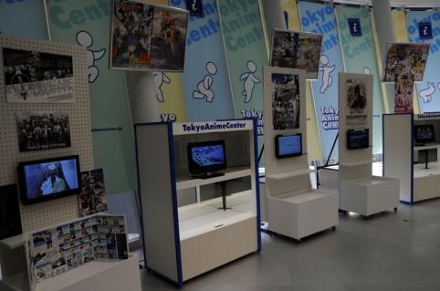 東京アニメセンターには他にも放送中や最近終了したアニメのPVなどが見ることが出来ますヾ(≧∇≦*)/