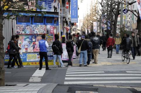 繰り上げて店内に誘導するアキバ☆ソフマップ1号店ヾ(*´∀`*)ノ