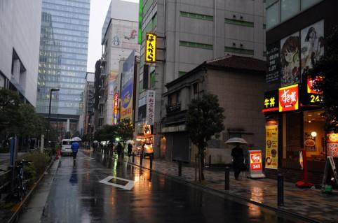 とらのあな秋葉原店イベントフロアは、ばんからのある通りのすき家の2階になりますヾ(*´∀`*)ノ