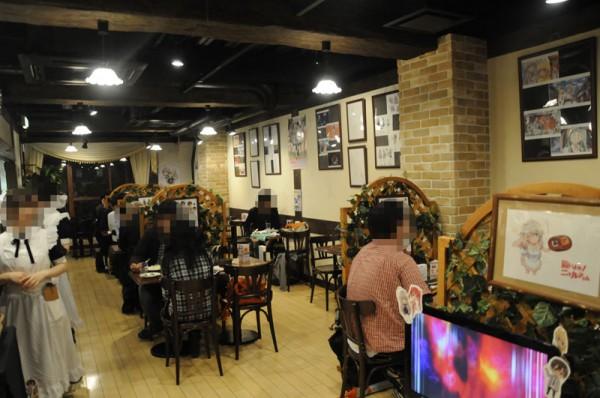 キュアメイドカフェで『這いよれ!ニャル子さん』カフェが開催されています