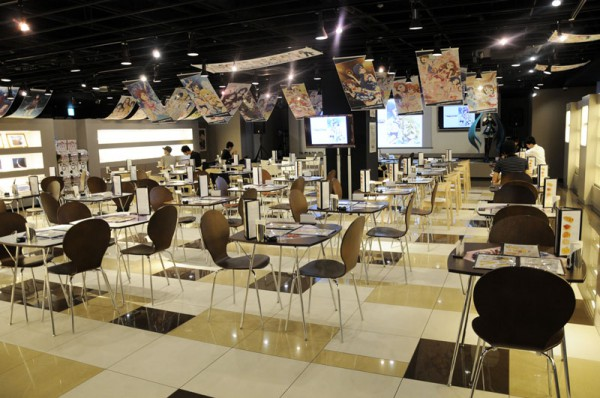 グッ鉄カフェにて『THE IDOLM@STERカフェ』がオープン8月13日までとなっています