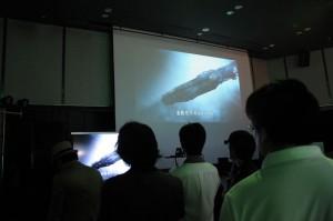 デモを巨大プロジェクターで写していました